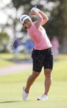 米女子ゴルフ、畑岡が首位に並ぶ
