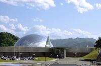 恐竜博物館の年間入館者92万人