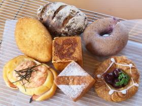ふかふかパンとスウィーツのコラボ店
