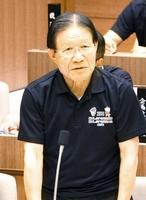 「次期町長選に出馬しない決心をした」と述べ、今期限りで引退することを表明した山口治太郎美浜町長=9月6日、福井県美浜町の美浜町議会議場
