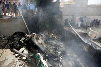 パキスタンで墜落54人死亡
