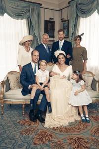 ルイ王子洗礼時の写真公開