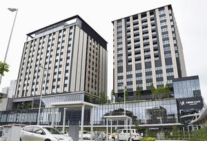 8月に開業するJR金沢駅西口の新複合施設「クロスゲート金沢」=7月29日、石川県金沢市