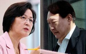 韓国の秋美愛法相(左)と尹錫悦検事総長(聯合=共同)