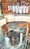もんじゅの原子炉上部。廃炉作業には難題が山積している=2015年12月、福井県敦賀市白木2丁目