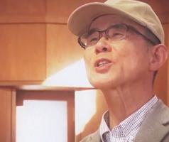 得意の歌で自身の思いを伝える井坂裕之さん(レディーフォー提供)
