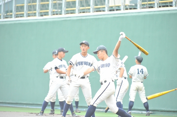 福井商業2本塁打、丹生は完封