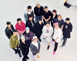 新曲「Fandango」をPRする「THE RAMPAGE from EXILE TRIBE」のメンバー=福井県福井市の福井新聞社