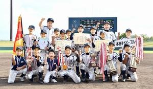 2年ぶり4回目の優勝を果たした木田=8月14日、福井県営球場