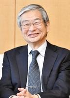 「県内の他の大学などとの連携を強化したい」語る福井大学の上田新学長=4月22日、福井新聞社