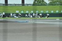 高校野球福井大会、雨で開始遅れ