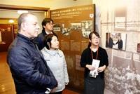 ムゼウム「感動伝える」 米旅行会社経営者が視察 敦賀
