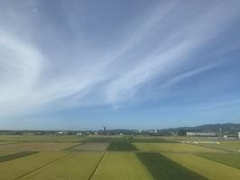 猛暑日となった福井市の空=8月22日、福井県福井市大和田2丁目