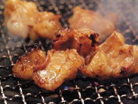 自慢の焼肉をはじめデザート、居酒屋メニューなどが350種類