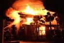 坂井市で火災、織物工場と住宅全焼