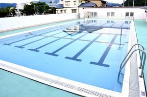 女児が溺れた福井市東郷小学校のプール=8月1日、福井県福井市栃泉町
