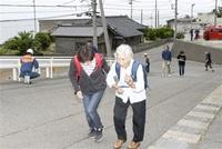 震災教訓対応力磨く 福井市45地区で4万9千人訓練 国見では津波想定 声掛け高台へ