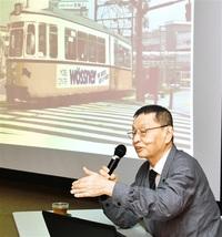 「鉄道乗ること大事」 写真家・南さん(越前市出身)講演 維持への思いや作品紹介