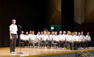 各校の主将が決意を述べた全国高校野球選手権福井大会の組み合わせ抽選会=5日、福井県生活学習館