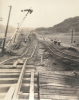 線路が大きくうねり運行不能となった国鉄北陸線=細呂木駅(福井県あわら市)付近から撮影、福井地方気象台提供