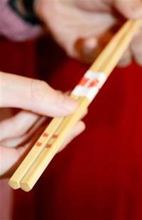 合格グッズいろいろ 「五角」箸、タコの菓子「置くとパス」… 験担ぎで受験生応援!! サンデー@ふくい