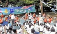 初の野外 充実ステージ 鯖江中 3密避け文化祭 吹奏楽、合唱部 成果を披露