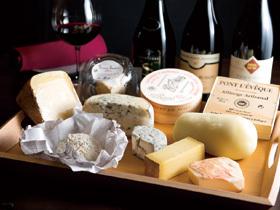 約80種類のワインを揃えるフレンチバル