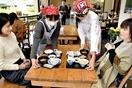 丹南高生「カフェ」でさわやか接客
