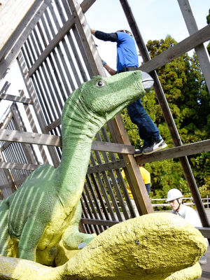 勝山の恐竜、冬ごもり