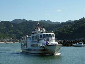 海の幸を食べる・買う。蘇洞門めぐり船の出入港地。
