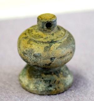 福井県の遺跡から室町時代の分銅
