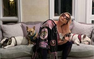 レディー・ガガさんと飼い犬(本人のインスタグラムより、共同)