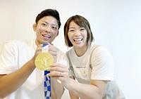 五輪V2の川井梨紗子選手、結婚相手は敦賀気比高校コーチ 福井県で婚姻届提出「レスリング魅力伝える」