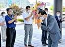 「政策展開 民間と協力」 4選の松崎市長が初登…