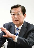 インタビューに答える京阪ホールディングスの加藤好文会長CEO