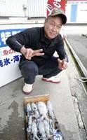 上木さん(福井市)が鮎川で釣ったアオリイカ