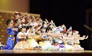 敦賀の園児、愛らしい演技…