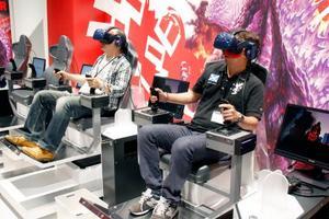仮想現実のアトラクションが楽しめる「VR ZONE OSAKA」=13日、大阪・梅田