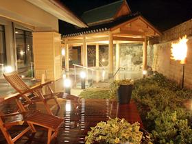 源泉大浴場「千のこぼれ湯」 豪華で個性的な風呂が楽しめる