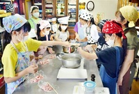 児童 お寺で料理 鯖江の女性 寺子屋とコラボ 高齢者提供目指す