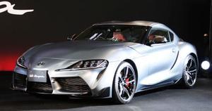 トヨタ自動車の新型スポーツ車「スープラ」=17日午後、東京都江東区