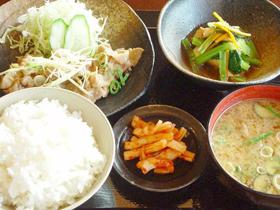香り豊かな熟成醤油の「白玉拉麺」が人気
