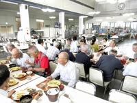 東洋紡の歴史見つめた食堂解体
