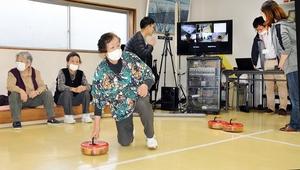 福井と島根のお年寄りが遠…