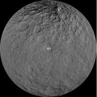 NASAの探査機ドーンが捉えた準惑星ケレス(NASA提供・共同)