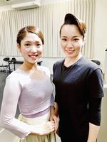 たけふ菊人形公演で「感動を届けたい」と話す瀧登有真さん(右)と穂香めぐみさん