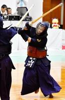 剣道少年女子で優勝を決めた福井の山川咲愛=10月1日、福井県立武道館