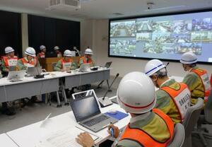 原発事故を想定した中部電力の防災訓練で、名古屋市の本店で開かれた対策本部会議=29日午前