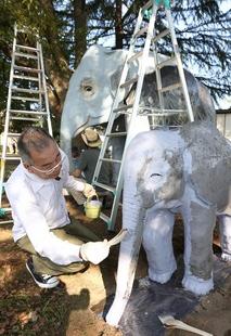 左内公園の動物遊具ペンキ塗り替え