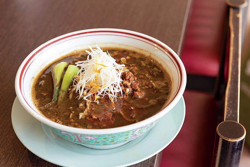 辛くて旨い魅惑の黒ゴマ担々麺。